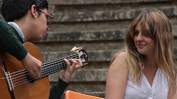 Ana Ferrer y Lara Bárcena